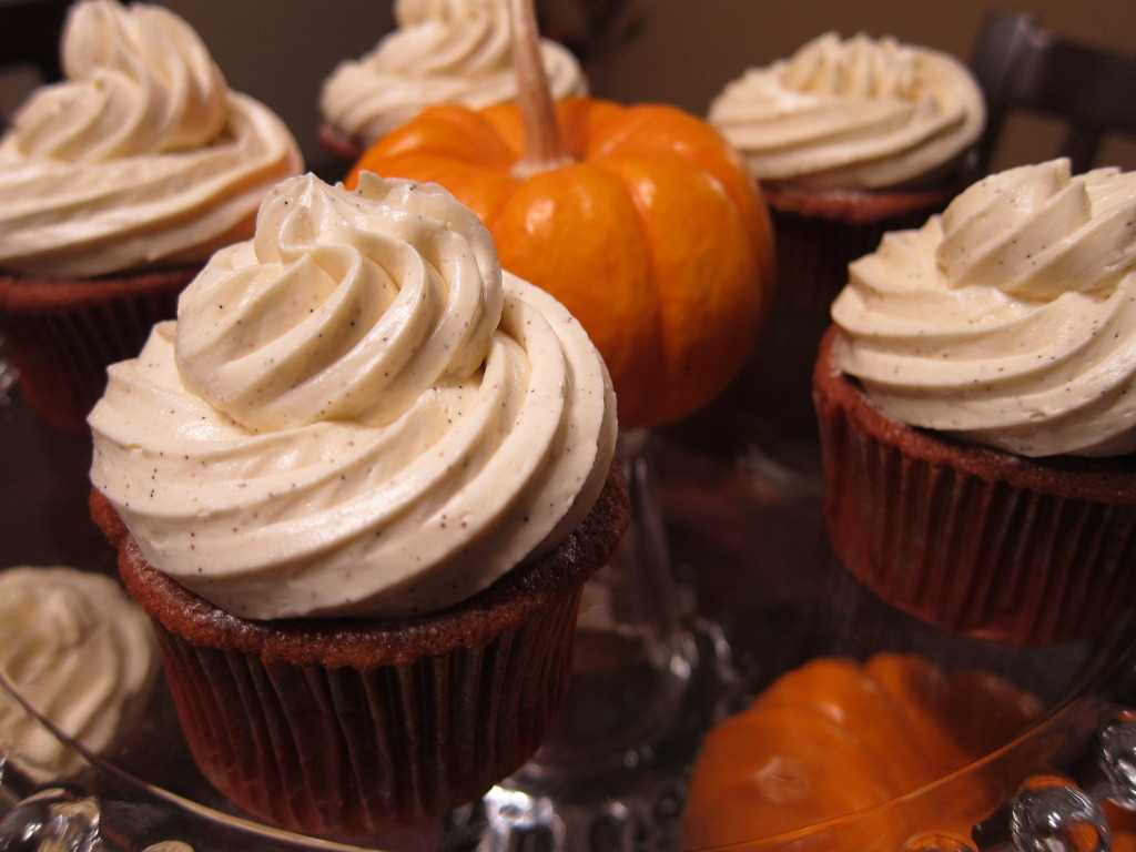 Pumpkin Vanilla Bean Cupcakes With Cinnamon Vanilla Bean Swiss Meringue Buttercream