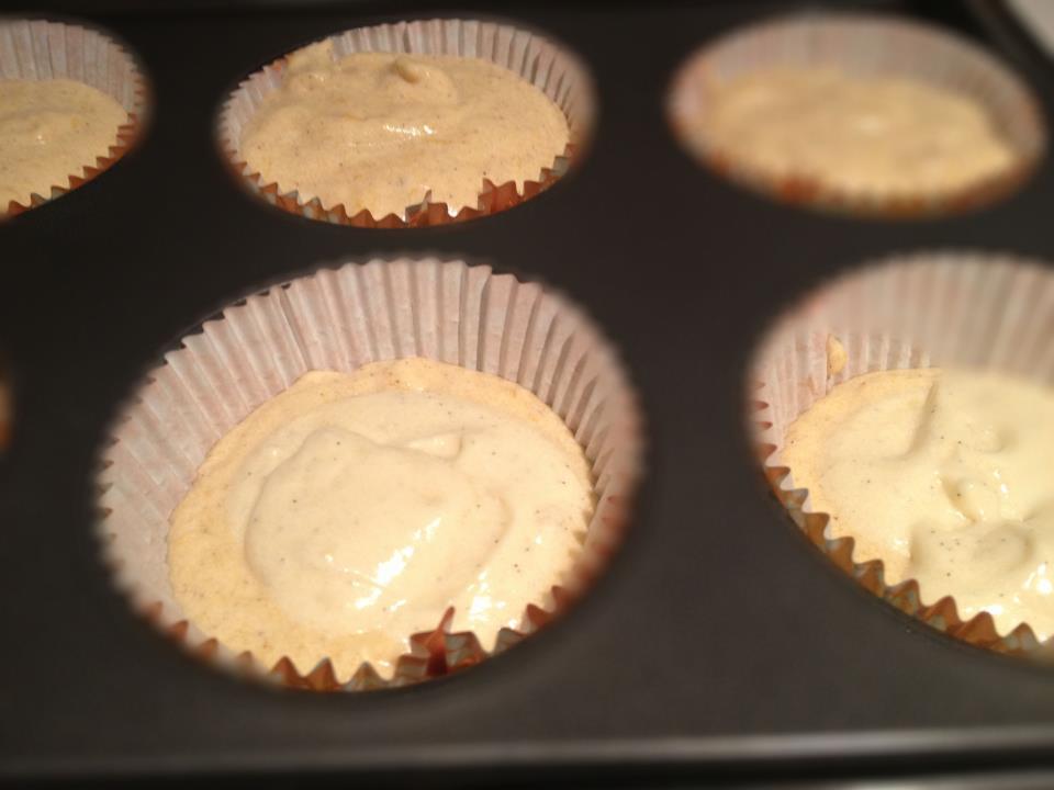 Pumpkin Vanilla Bean Cupcakes With Cinnamon Vanilla Bean Swiss ...