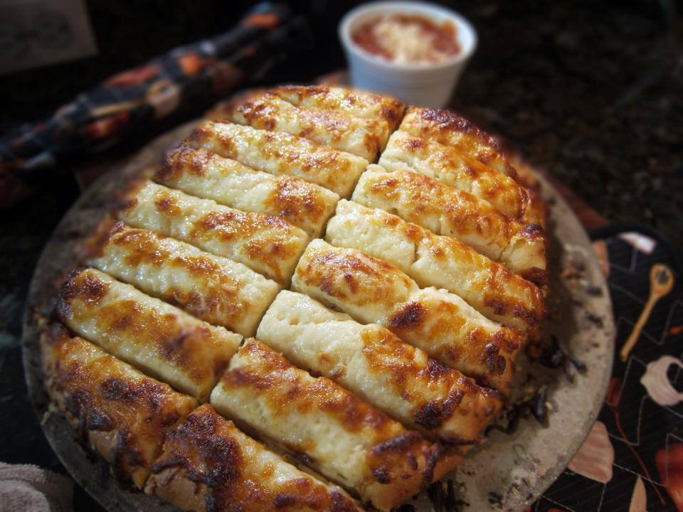 Cheesy Garlic Breadstix
